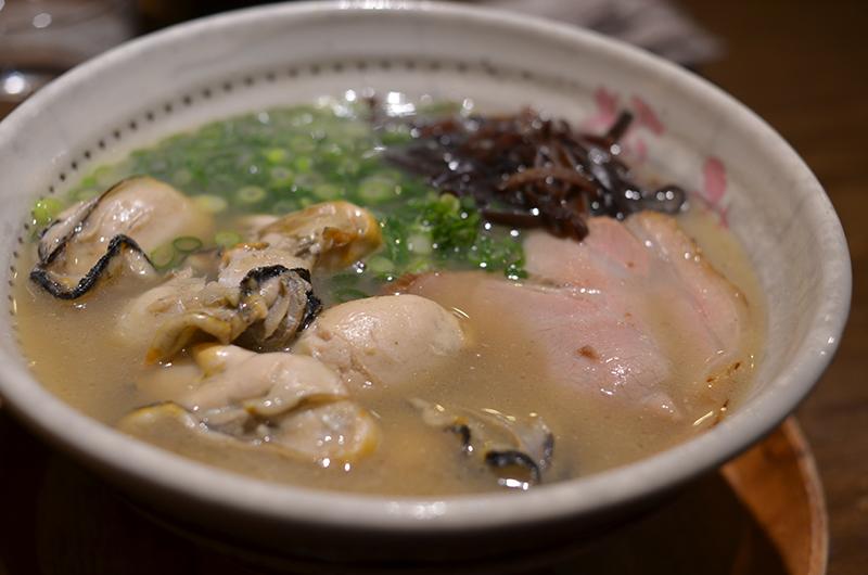牡蠣の出汁の聞いた牡蠣ラーメン