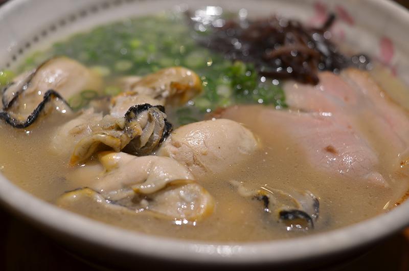 牡蠣たっぷりのラーメン